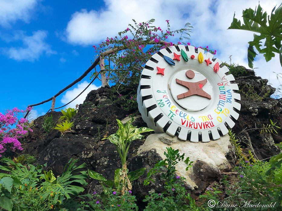 lookout point from road-2 huahine.jpg