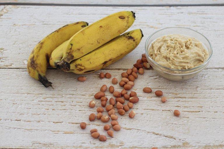 2021-04-05 Peanut butter banana shake 007.JPG
