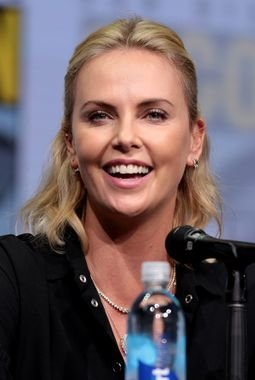 old charlize theron as andy andromaque de scythie.jpg