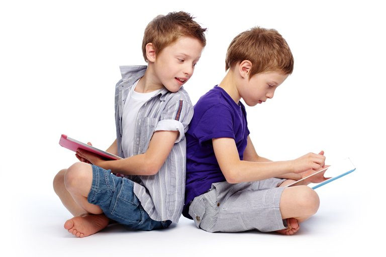 niños usando tablets.jpg
