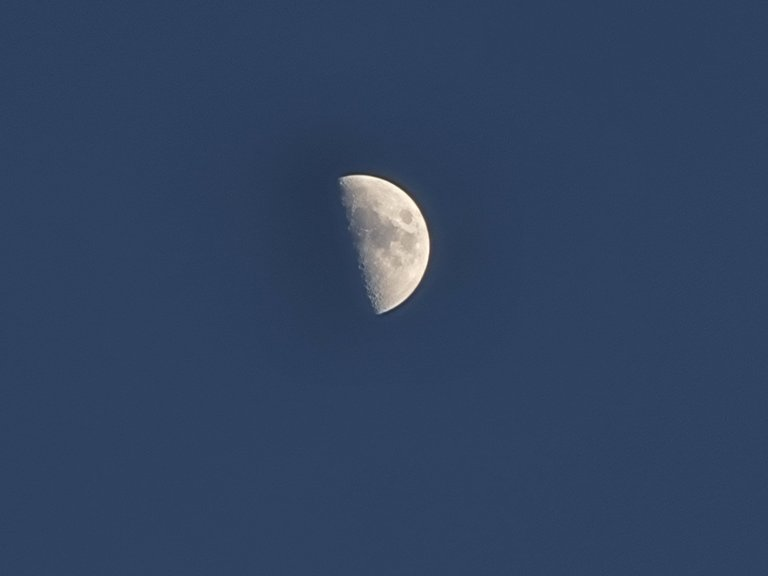 photo of the evening sky with the moon 2.jpg