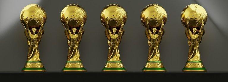trophy-3459651_1280 (1).jpg