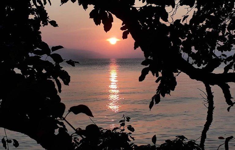 Sunrise at Tagbaobo, Island Garden City of Samal 1.jpg