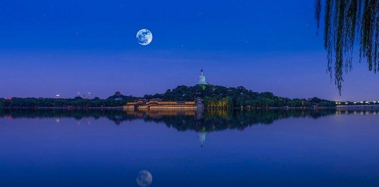 中秋夜,月.jpg