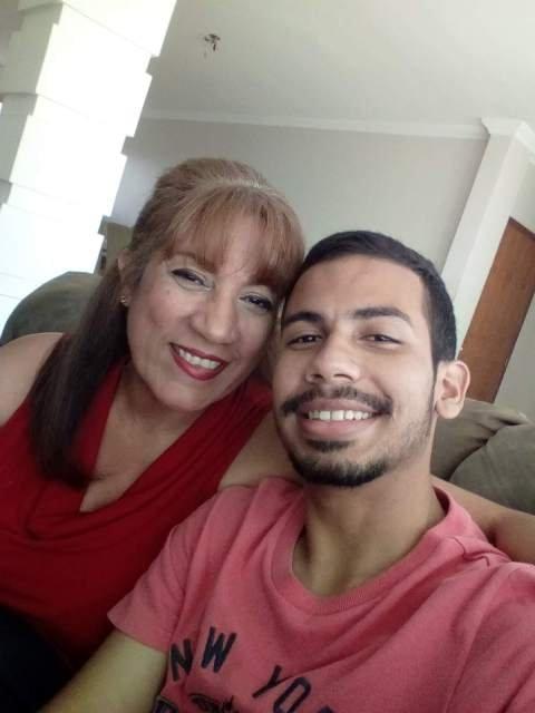 foto con mami.jpg