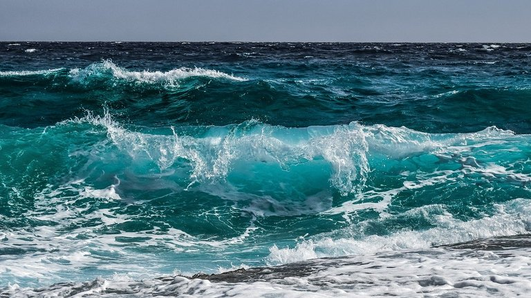 wave3473335_1280.jpg
