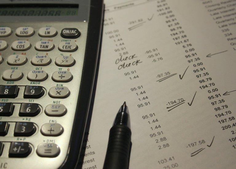accounting761599_1920.jpg