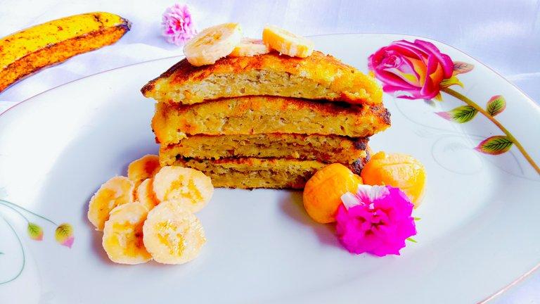 Banana Pancakes Plating.jpg