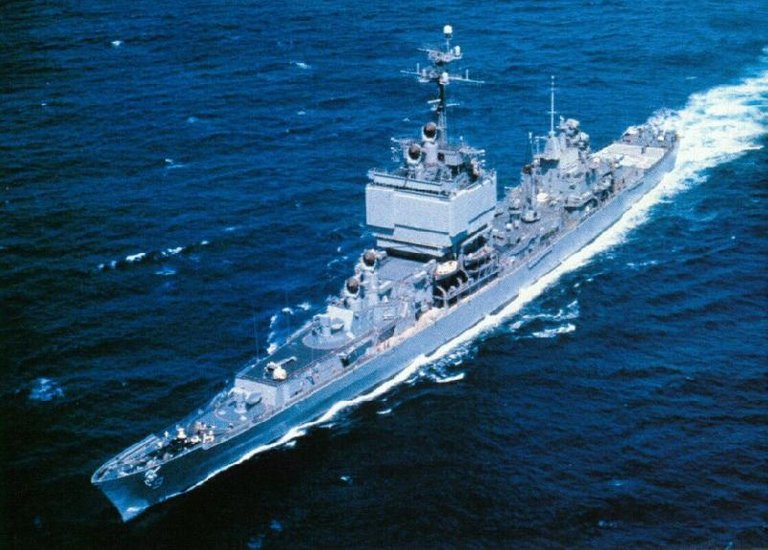 USS Long Beach CGN9.jpg