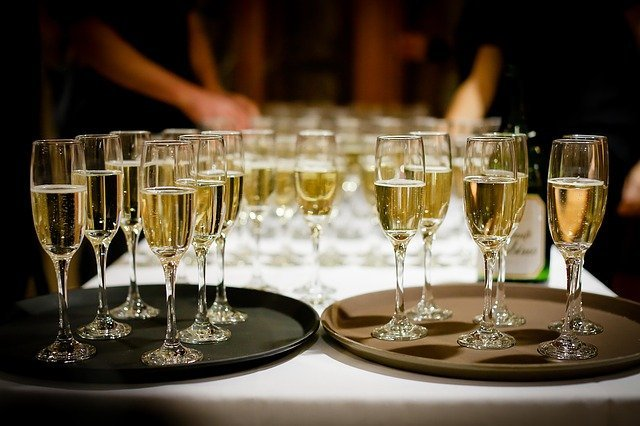 drinks-champagne.jpg