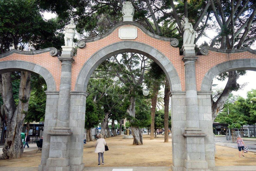 18- Plaza de Espana Santa Cruz Tenerife -DSC00487.jpg