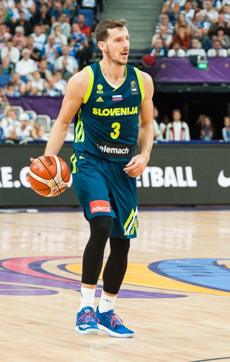 EuroBasket_2017_Finland_vs_Slovenia_37_(Goran_Dragić_cropped_2).jpg