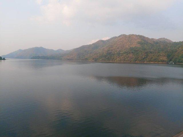 Vajiralongkorn Dam21.jpg