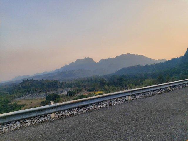 Vajiralongkorn Dam19.jpg