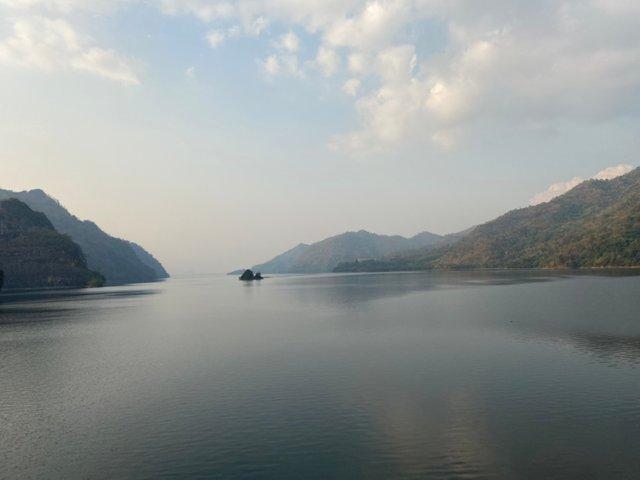 Vajiralongkorn Dam12.jpg