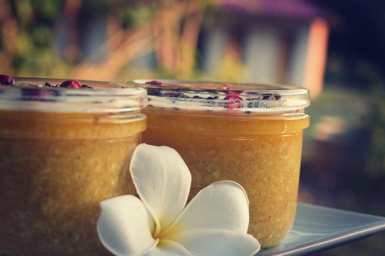 mango-turmeric-oats-13.jpg