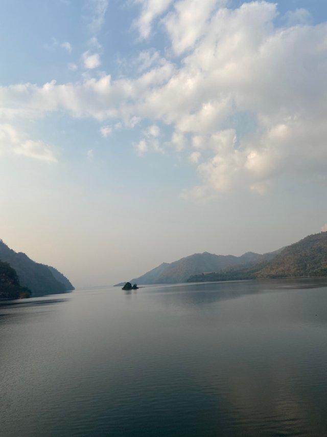 Vajiralongkorn Dam13.jpg