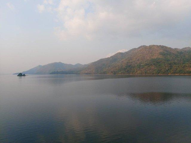 Vajiralongkorn Dam22.jpg