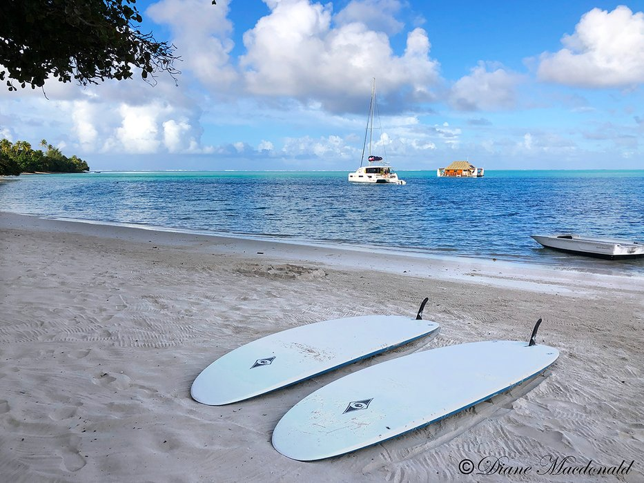 paddleboards huahine.jpg