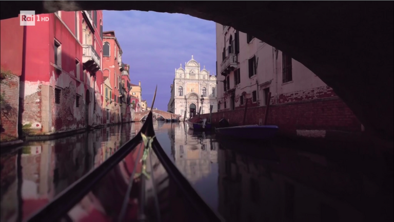 Navigation in Gondola to Venice