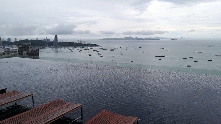 pattaya_beach_oct_2020_412.jpg