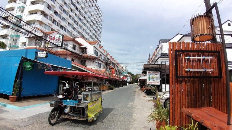 pattaya_beach_oct_2020_333.jpg