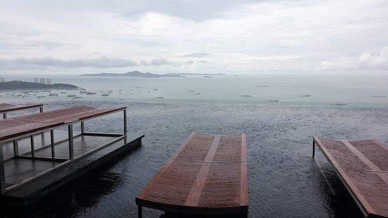 pattaya_beach_oct_2020_406.jpg