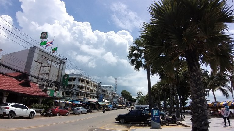 pattaya_beach_oct_2020_381.jpg