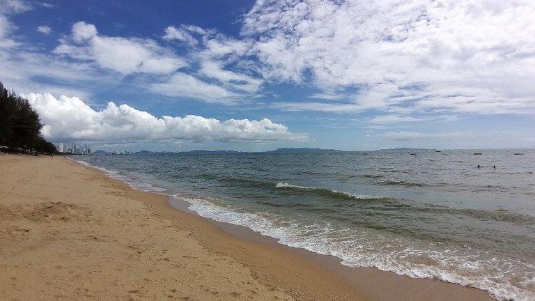 pattaya_beach_oct_2020_486.jpg