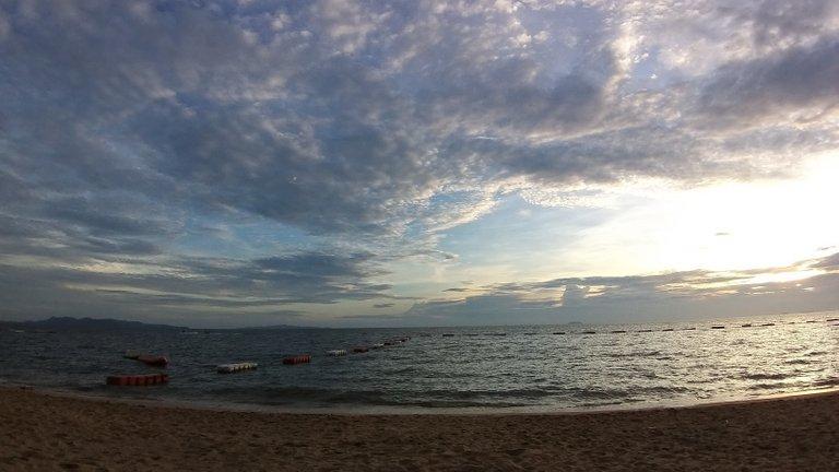 pattaya_beach_oct_2020_695.jpg