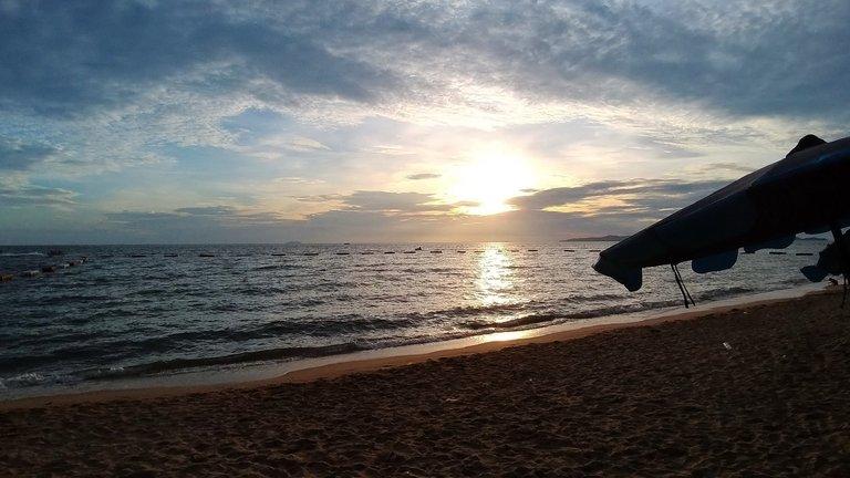 pattaya_beach_oct_2020_684.jpg