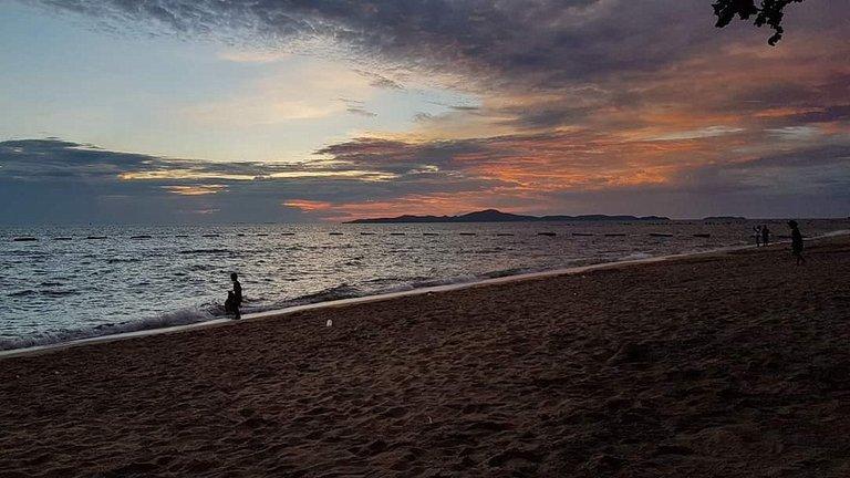 pattaya_beach_oct_2020_736.jpg