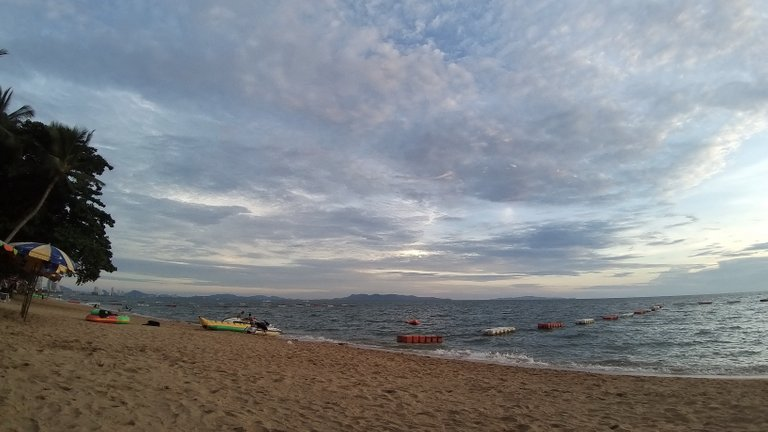 pattaya_beach_oct_2020_702.jpg