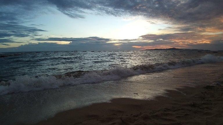 pattaya_beach_oct_2020_719.jpg