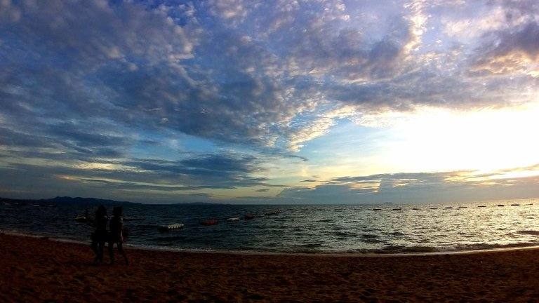 pattaya_beach_oct_2020_697.jpg