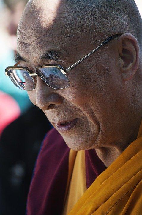 dalai-lama-2244829_960_720.jpg