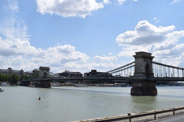 Széchenyi Chain Bridge in Budapest 1 - 12 July 2019.JPG