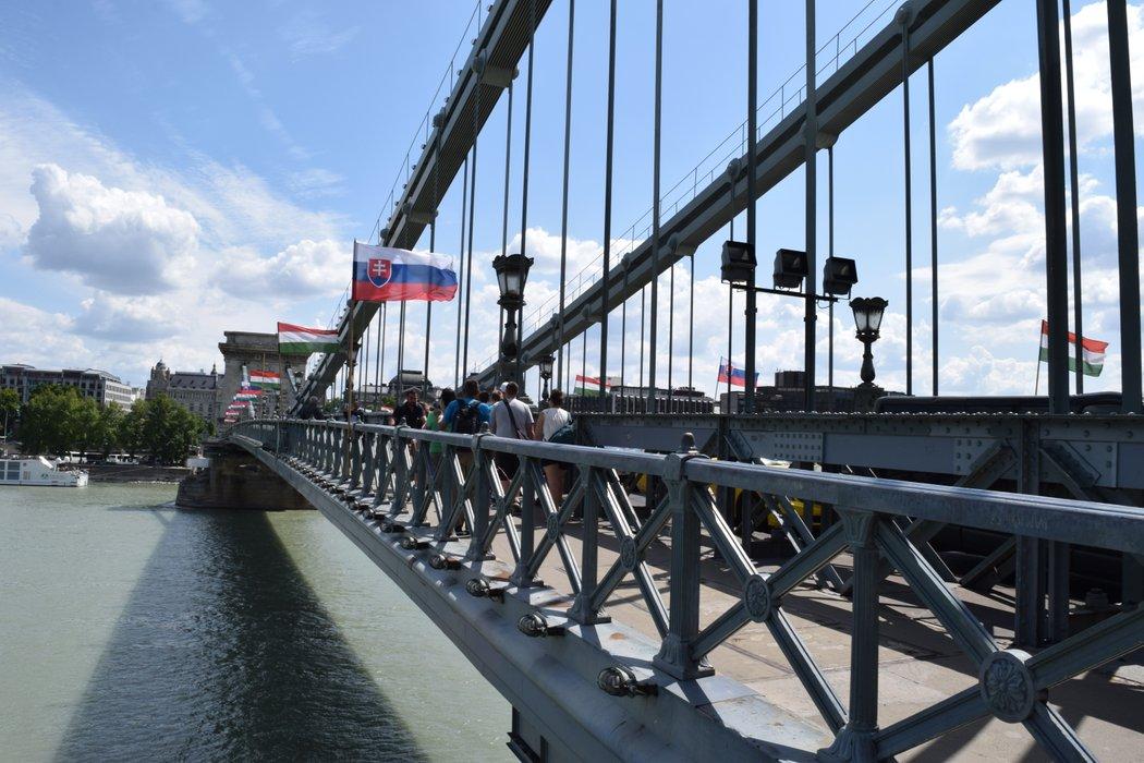 Széchenyi Chain Bridge in Budapest 5 - 12 July 2019.JPG