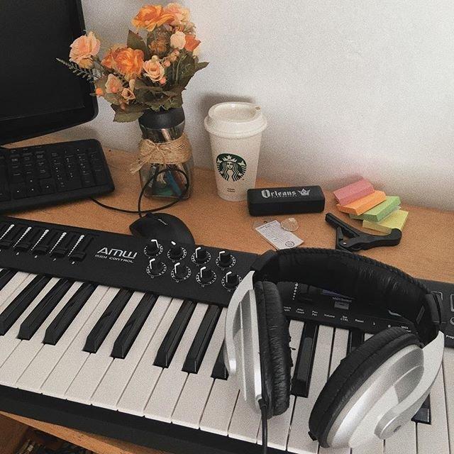 piano electrico.jpg