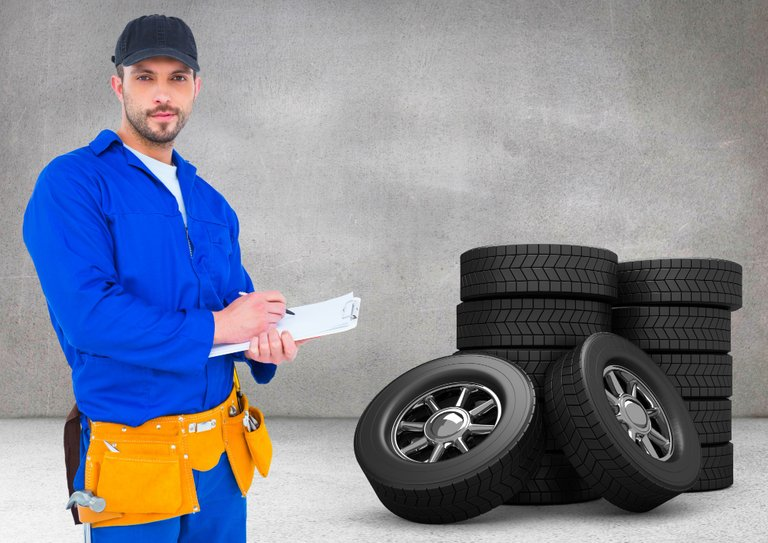 uniform_male_electrician_blue_working.jpg