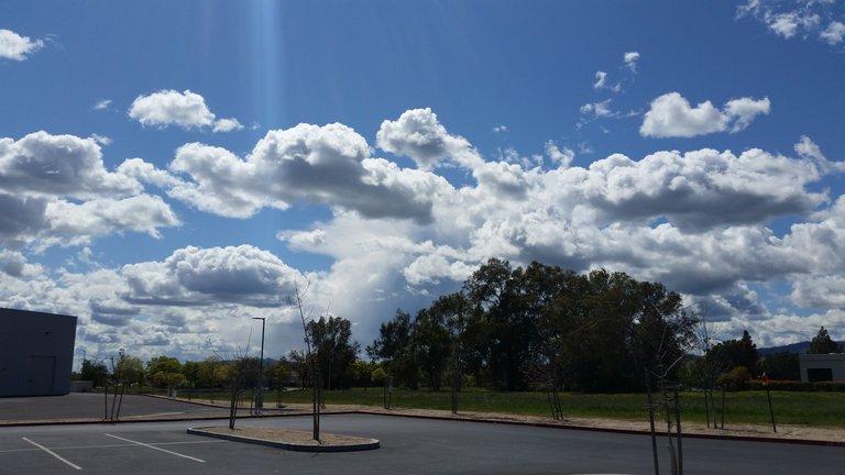 cloudsamazon.jpg