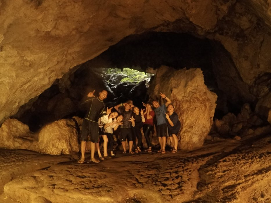 You can see the mouth of the cave's entrance behind us.