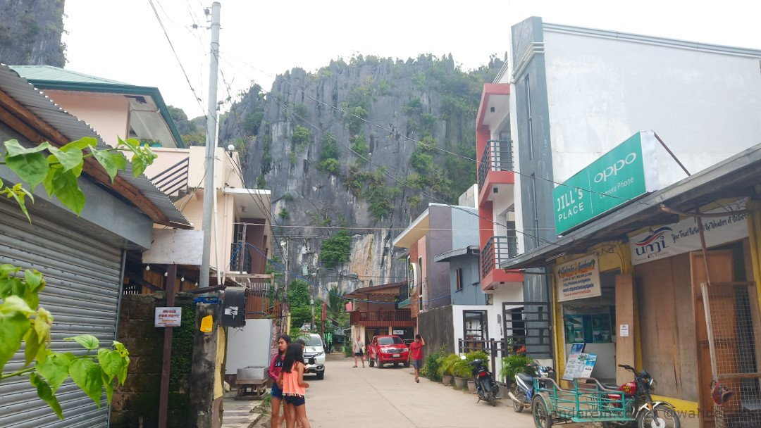 El Nido Town with Limestone formations in the backdrop