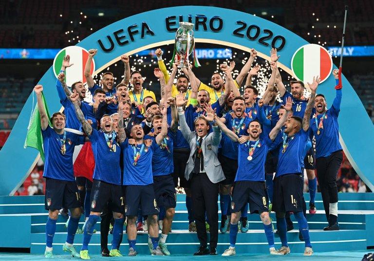 italy euro.jpg