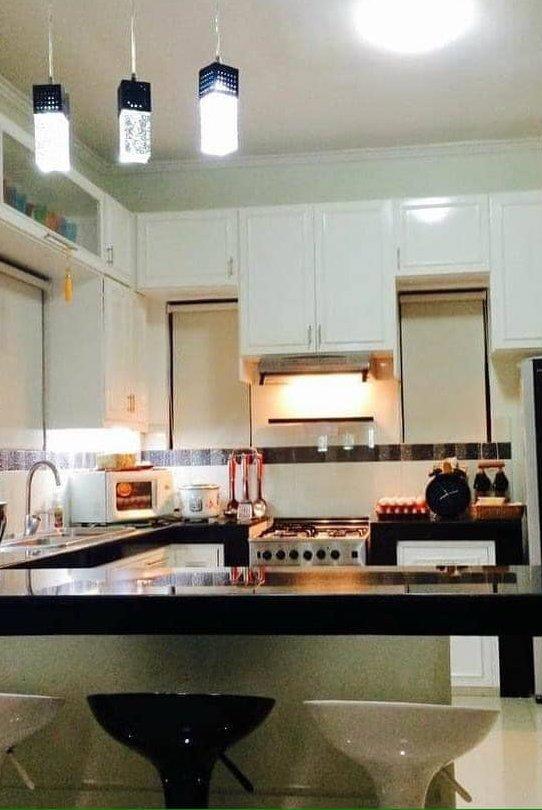kitchen with Ana P1.jpg