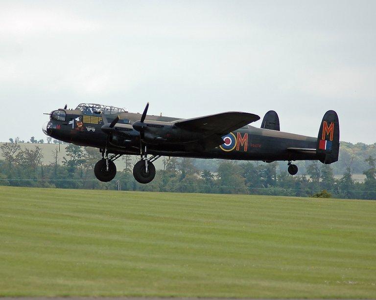 Avro_Lancaster_B_I_PA474_1.jpg