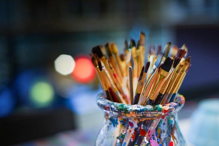 brushes3129361_1280.jpg