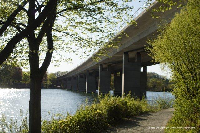 20200423 Seiler See Iserlohn Ostufer Autobahn.jpg