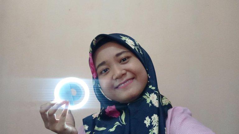 Selfie Light.jpg