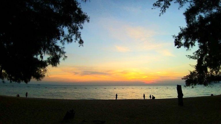 byron_bay_sunset_1.jpg